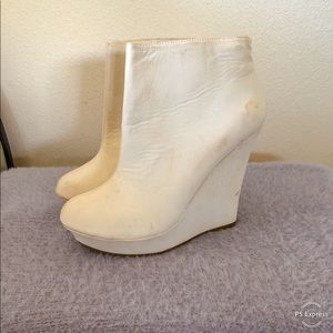 ***WHITE BOOTED HEELS***
